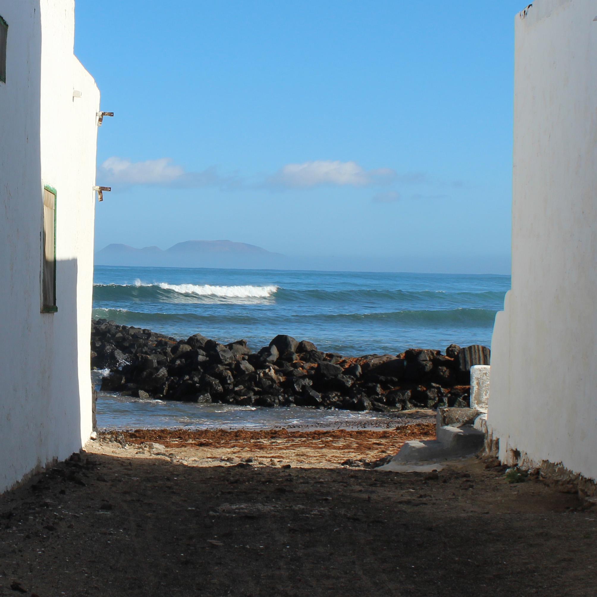 famara beach